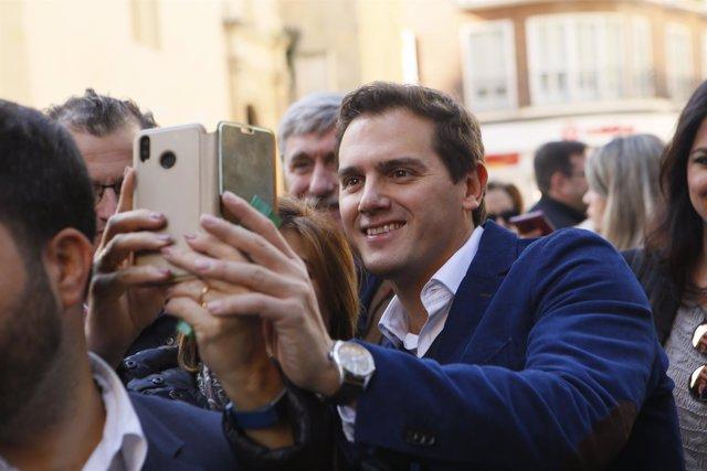En Córdoba, paseo electoral del presidente de Cs, Albert Rivera. Desde calle Gon