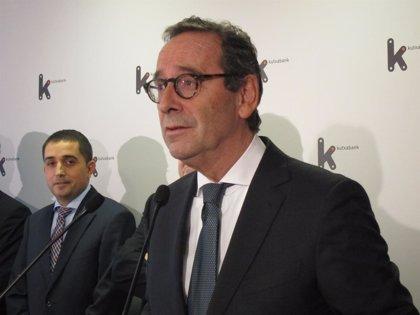 La junta de accionistas de Kutxabank renueva a Gregorio Villalabeitia como presidente
