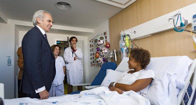 El consejero de Sanidad, Enrique Ruiz Escudero, visita Hospital La Paz