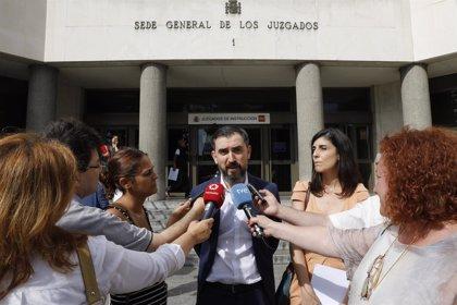 Cifuentes, Casado, Montón o Ignacio Escolar, propuestas de Podemos para comparecer en la comisión de universidades