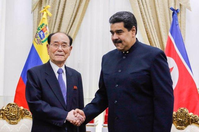 Maduro y Kim Yong-nam