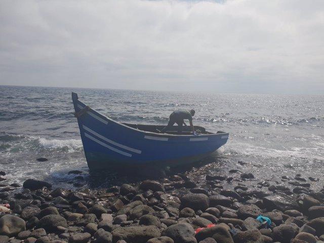 Una de las pateras llegada este jueves a la costa de Lanzarote