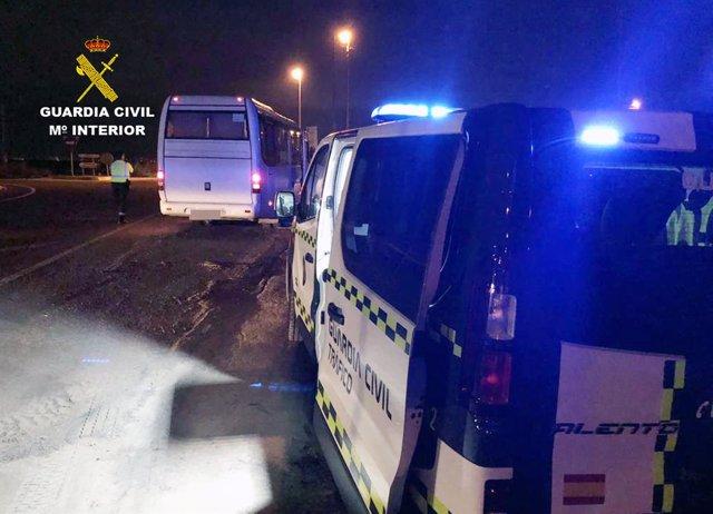 Imagen del autobús cuyo conductor iba bajo efectos de las drogas