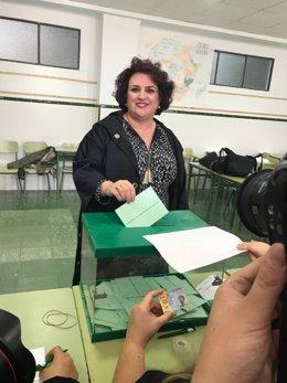 Teresa Jiménez vota