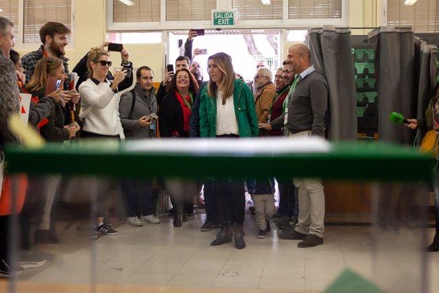 Susana Díaz acude a votar en las elecciones del 2 de diciembre