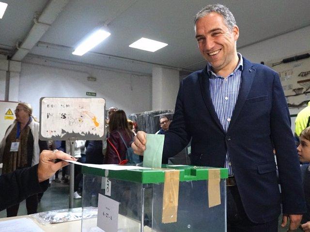 El presidente del PP de Málaga, Elías Bendodo, vota elecciones andaluzas 2018