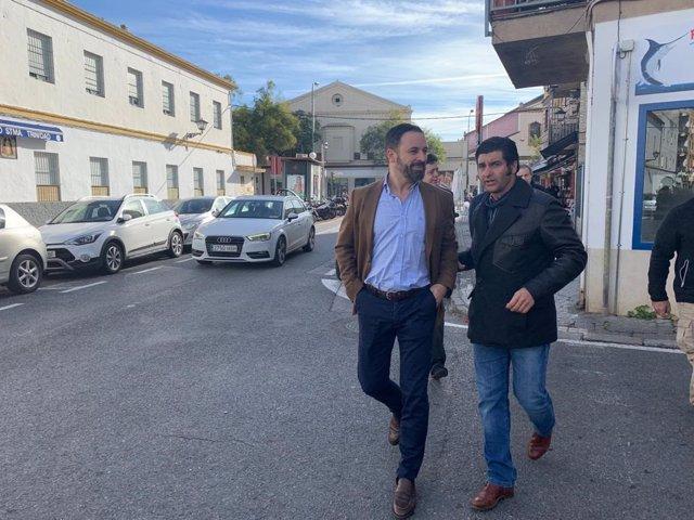 Santiago Abascal espera los resultados electorales en un hotel de Sevilla