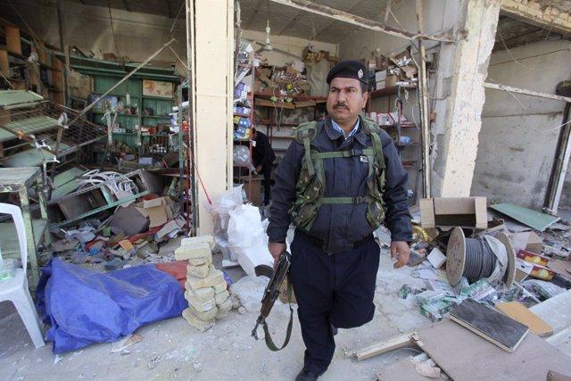Agente de la Policía iraquí en Hilla