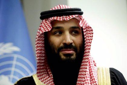 El príncipe heredero saudí llega a Argelia en el marco de su gira por el mundo árabe