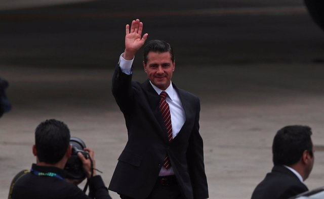 Mexican President Enrique Pena Nieto arrives ahead of the G20 leaders summit in
