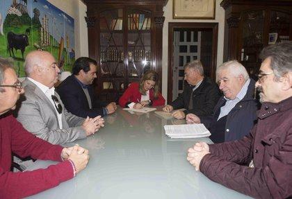 García plantea la adhesión a la petición de Medalla de Andalucía para Antonio Martín
