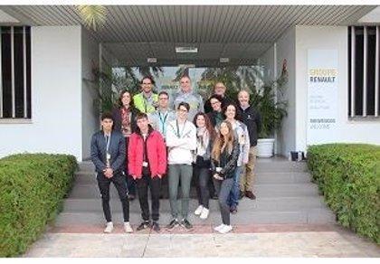 Renault y Fundación Exit colaboran en un programa de voluntariado para jóvenes sevillanos en riesgo de exclusión