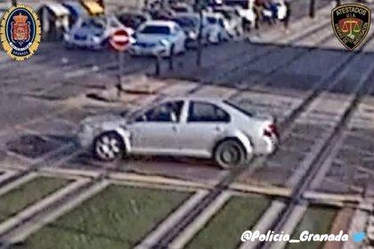 Piden colaboración ciudadana en Granada para localizar al conductor de un turismo que se fugó tras un atropello