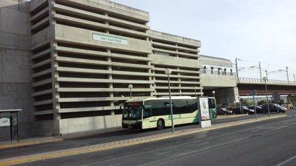 El alcalde de Gines y la Junta analizan una posible línea de bus hasta la estación de metro de Ciudad Expo