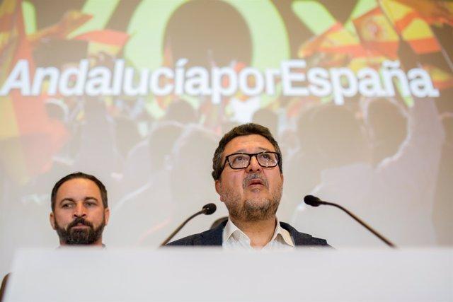 En Sevilla, rueda de prensa del presidente de VOX, Santiago Abascal, y del candi