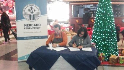 UPTA-A y los minoristas del Mercado de Peñamefécit de Jaén estrechan su colaboración en beneficio de los autónomos