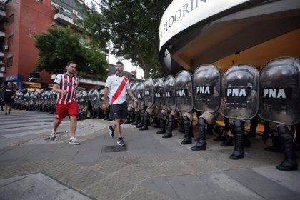 """Argentina aprueba un acuerdo para impedir el ingreso de """"barrabravas"""" en la final de la Libertadores en Madrid"""