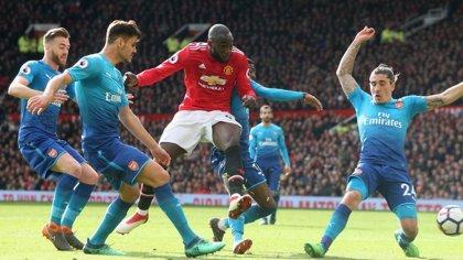 El Arsenal mide su gran momento en Old Trafford