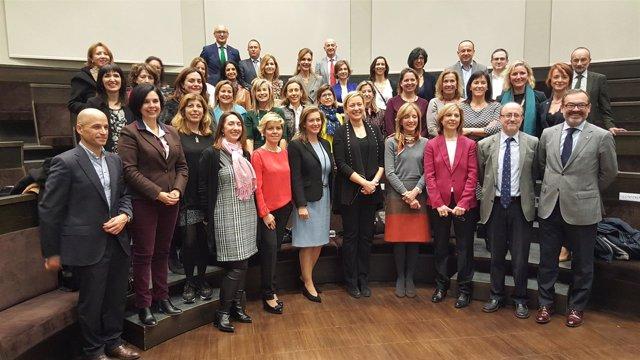 Gastón en la Cátedra de Desarrollo Directivo Femenino