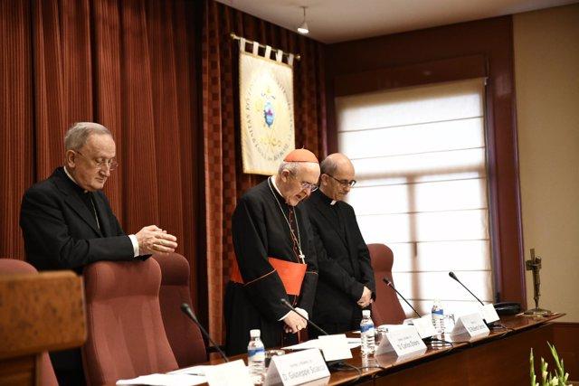 """El arzobispo de Madrid, Carlos Osoro, preside el acto académico """"Principio de le"""