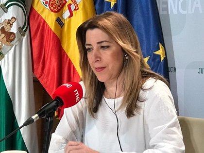 """Susana Díaz cree que todo el PSOE debe reflexionar tras el 2D y dice que Sánchez """"hace lo que puede"""" con 84 diputados"""