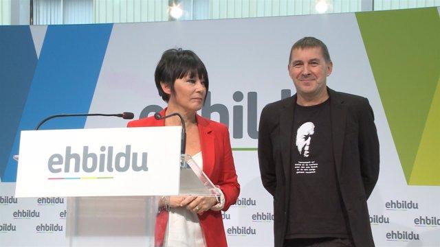 Arnaldo Otegi y Maddalen Iriarte