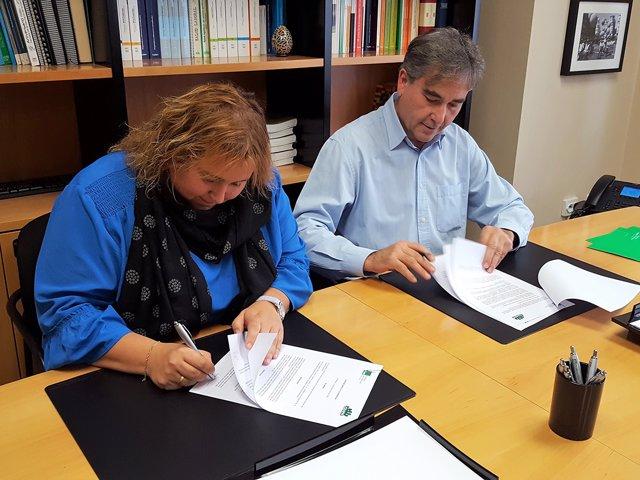 El presidente de SATSE Manuel Cascos y la presidenta de CEAPA Leticia Cardenal