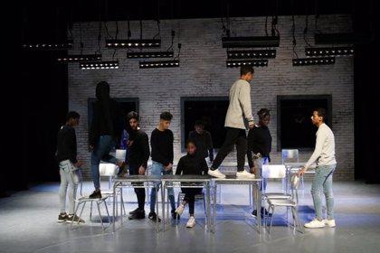 Una vuitantena d'alumnes de 4t d'ESO del Salvador Espriu de Salt creen una obra de teatre pel Temporada Alta