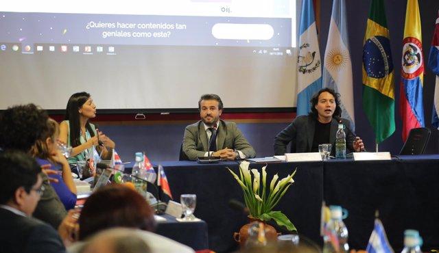 Manuel Peiró de UNIR en Congreso en Guatemala