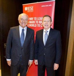 Francisco González (BBVA), junto a Eric Weber (IESE)