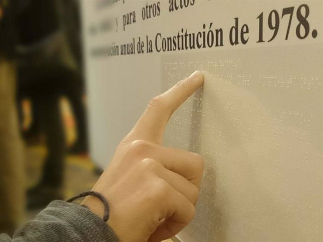 Constitución Española en Braille