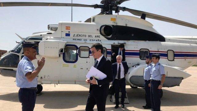 El presidente del Gobierno, Pedro Sánchez, en helicóptero