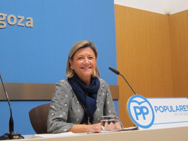 La concejal del PP, Patricia Cavero, en rueda de prensa en el Ayuntamiento