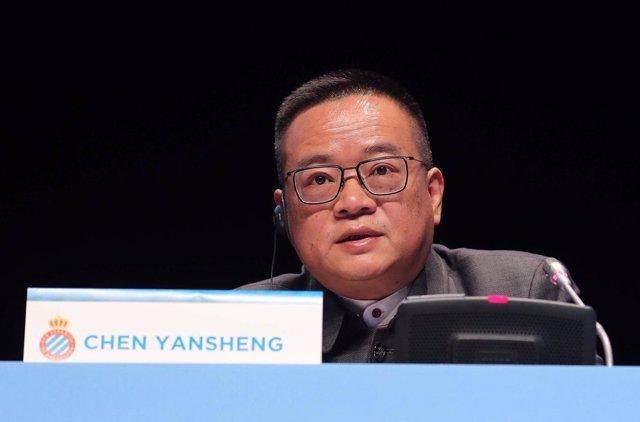 El presidente del RCD Espanyol, Chen Yansheng, en la JGA del club