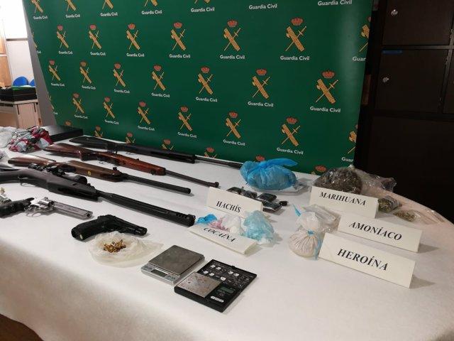 Material incautado en un control de armas y explosivos en Rianxo