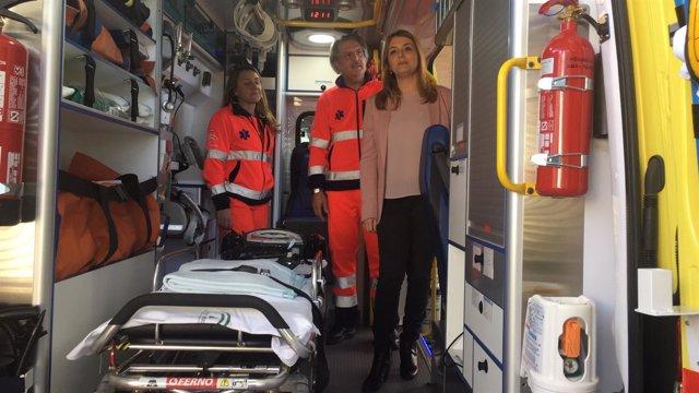 Presentación de ambulancia nueva del 061