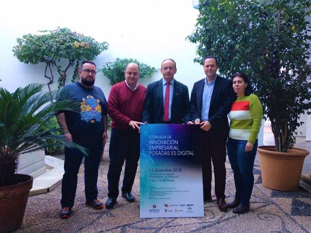 Martín (centro) presenta 'Posadas es digital'