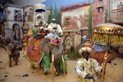 El Patronato de Turismo de Granada acoge un belén napolitano formado por más de doscientas figuras