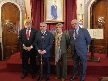 Badajoz celebra el aniversario de la Constitución con un homenaje a sus alcaldes constitucionales
