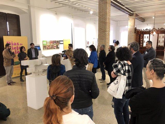 Inauguración de la exposición 'Días de viejo color' en el Centro Baños Árabes.