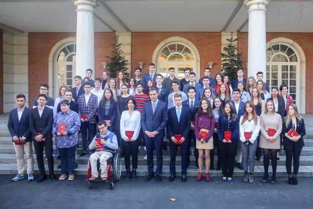 Pedro Sánchez preside el encuentro con jóvenes con motivo del 40 aniversario de