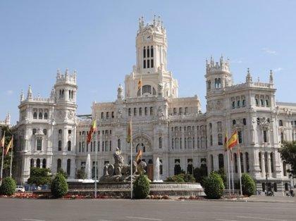 El Palacio de Cibeles se iluminará con los colores de la bandera de España el Día de la Constitución