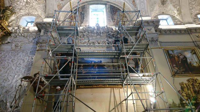 Las dos obras de Murillo restauradas por el IAPH vuelven a la Caridad