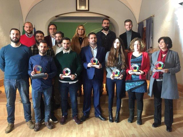 Autoridades y galardonados en la entrega de premios