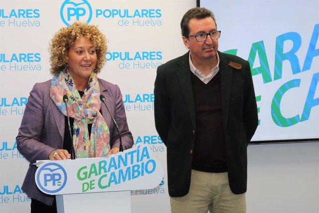 Pilar Marín y Manuel Andrés González en rueda de prensa.