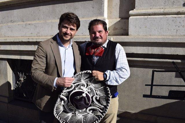 Beltrán Pérez promete una ordenanza que proteja a los artistas de calle