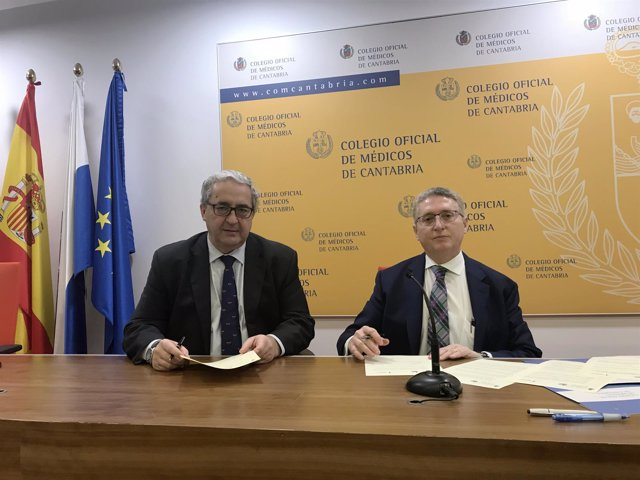Firma del acuerdo entre el Colegio de Médicos y la AECC