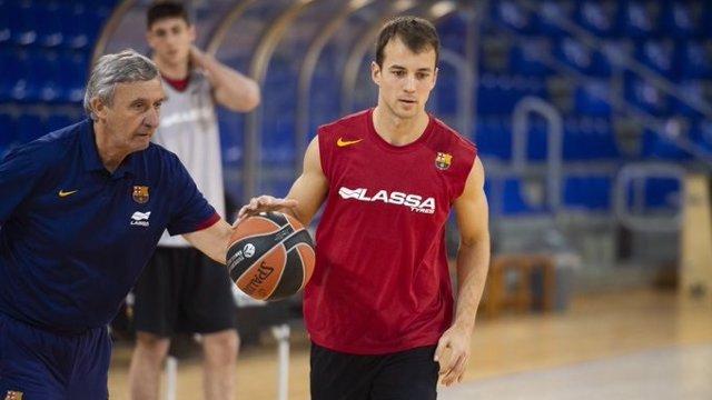 Svetislav Pesic y Kevin Pangos en un entrenamiento del Barça Lassa