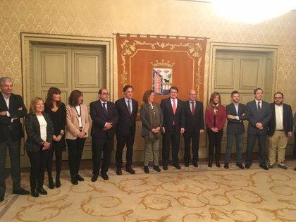 García Carbayo tomará el testigo como alcalde de Salamanca y Emilio Arroita ocupará el puesto de concejal vacante