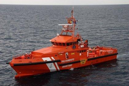 Rescatadas 115 personas, entre ellas 19 mujeres y cinco menores, de tres pateras en el Mar de Alborán